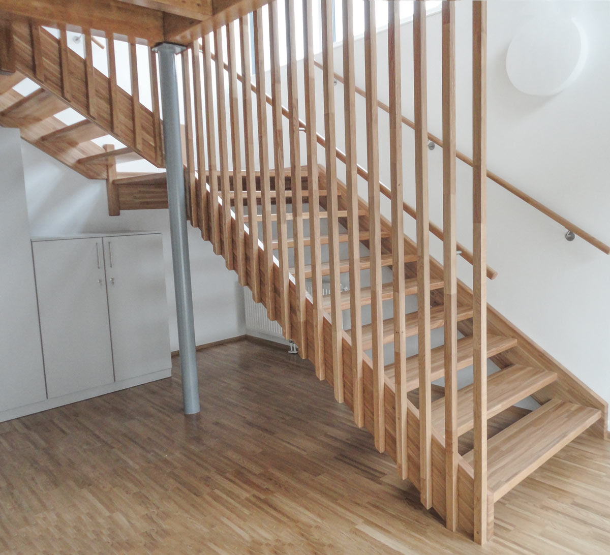 treppen oesterreich tischler wangentreppen 25 marco treppen. Black Bedroom Furniture Sets. Home Design Ideas