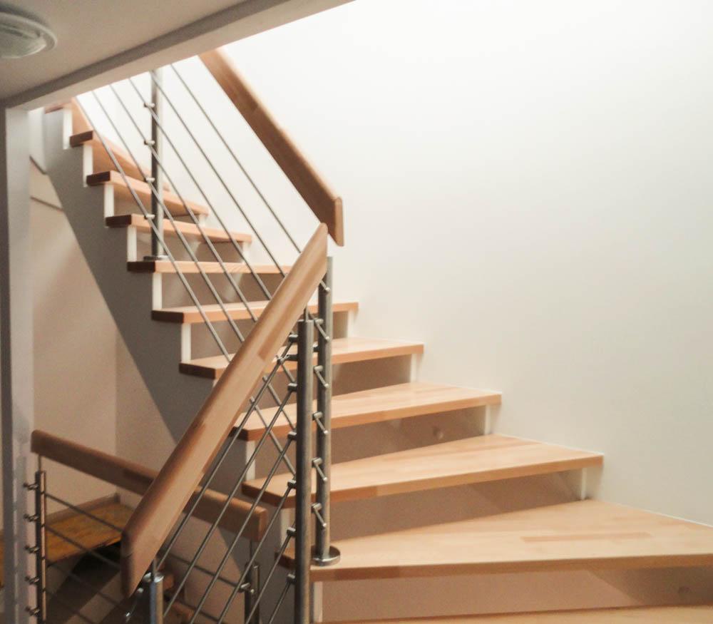 aufgesattlete treppen herstellung tischler oesterreich 09 marco treppen. Black Bedroom Furniture Sets. Home Design Ideas