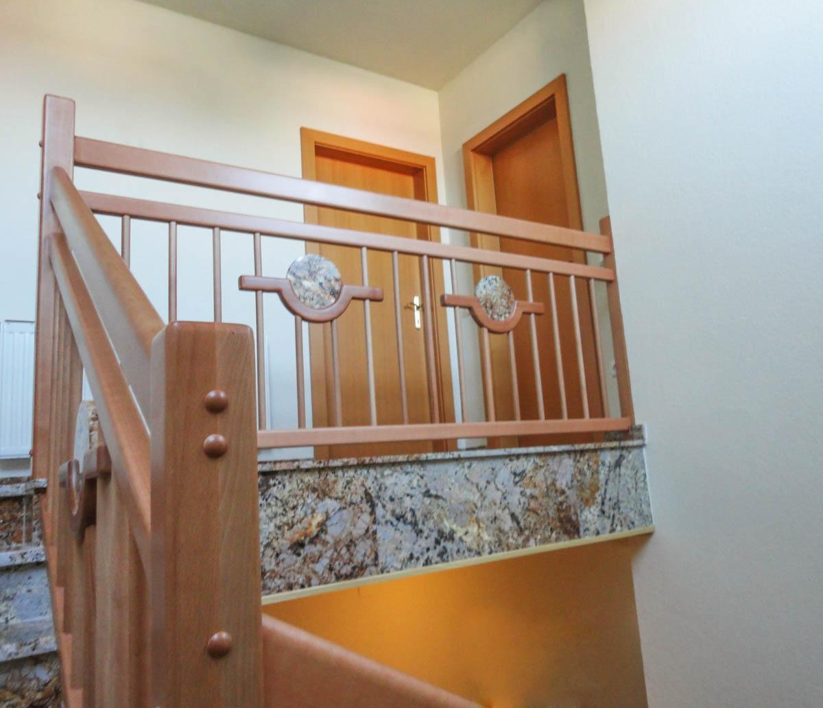 gelaender stufen marco treppen burgenland 39 marco treppen. Black Bedroom Furniture Sets. Home Design Ideas