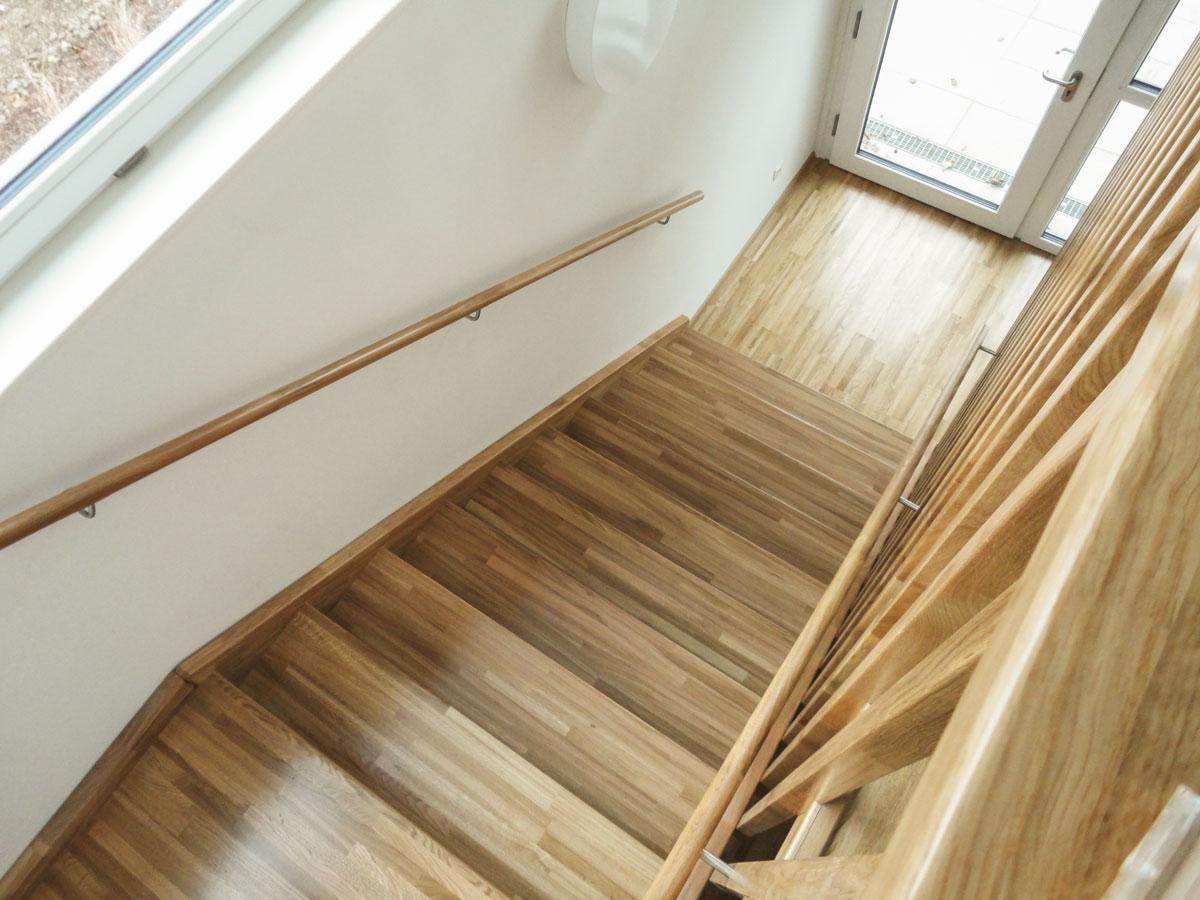 treppen oesterreich tischler wangentreppen 22a marco treppen. Black Bedroom Furniture Sets. Home Design Ideas