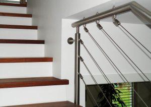 Geländer mit Edelstahlseilsystem